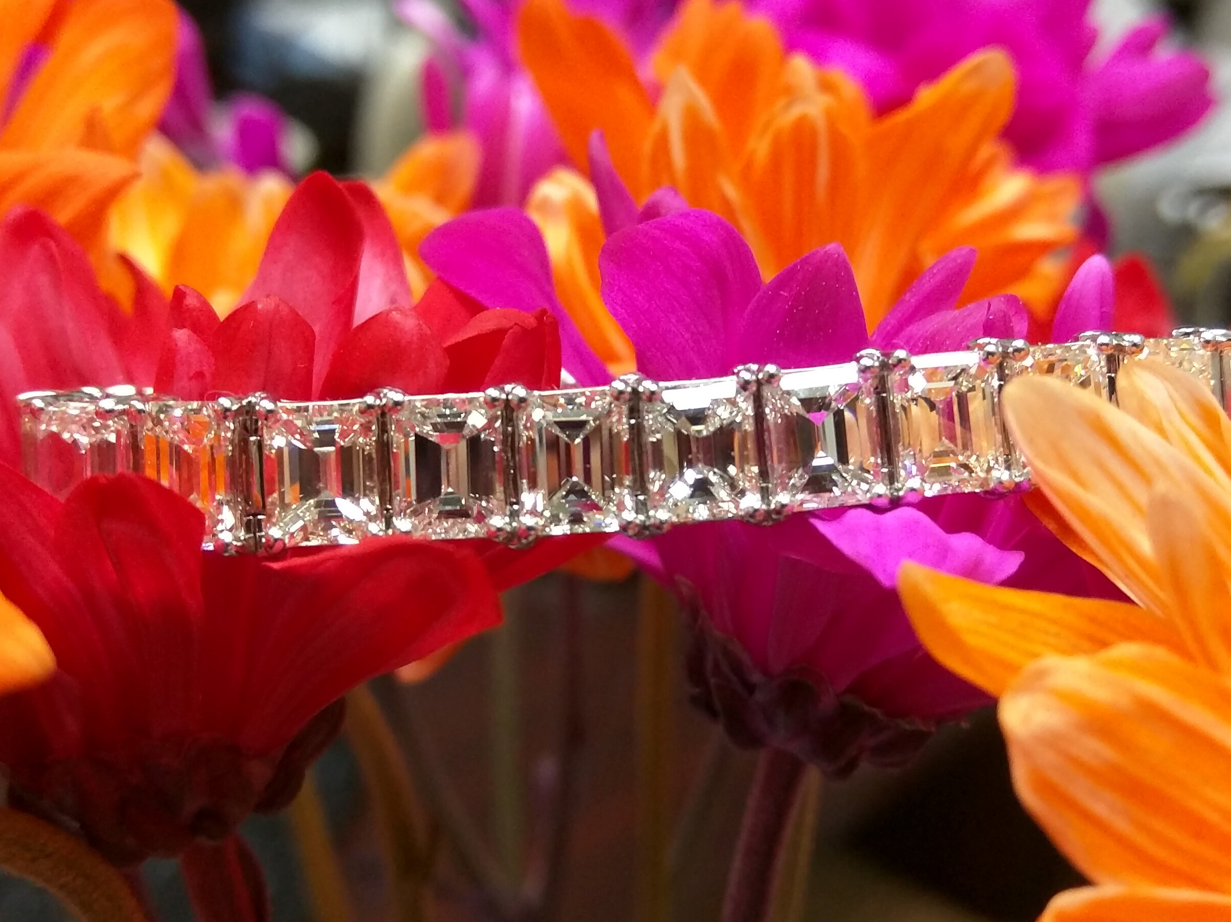26 Carat Emerald Cut Diamond Elegant Bracelet in Platinum
