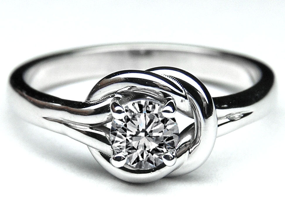 Love Knot Solitaire Diamond Engagement Ring 0.25 Carat