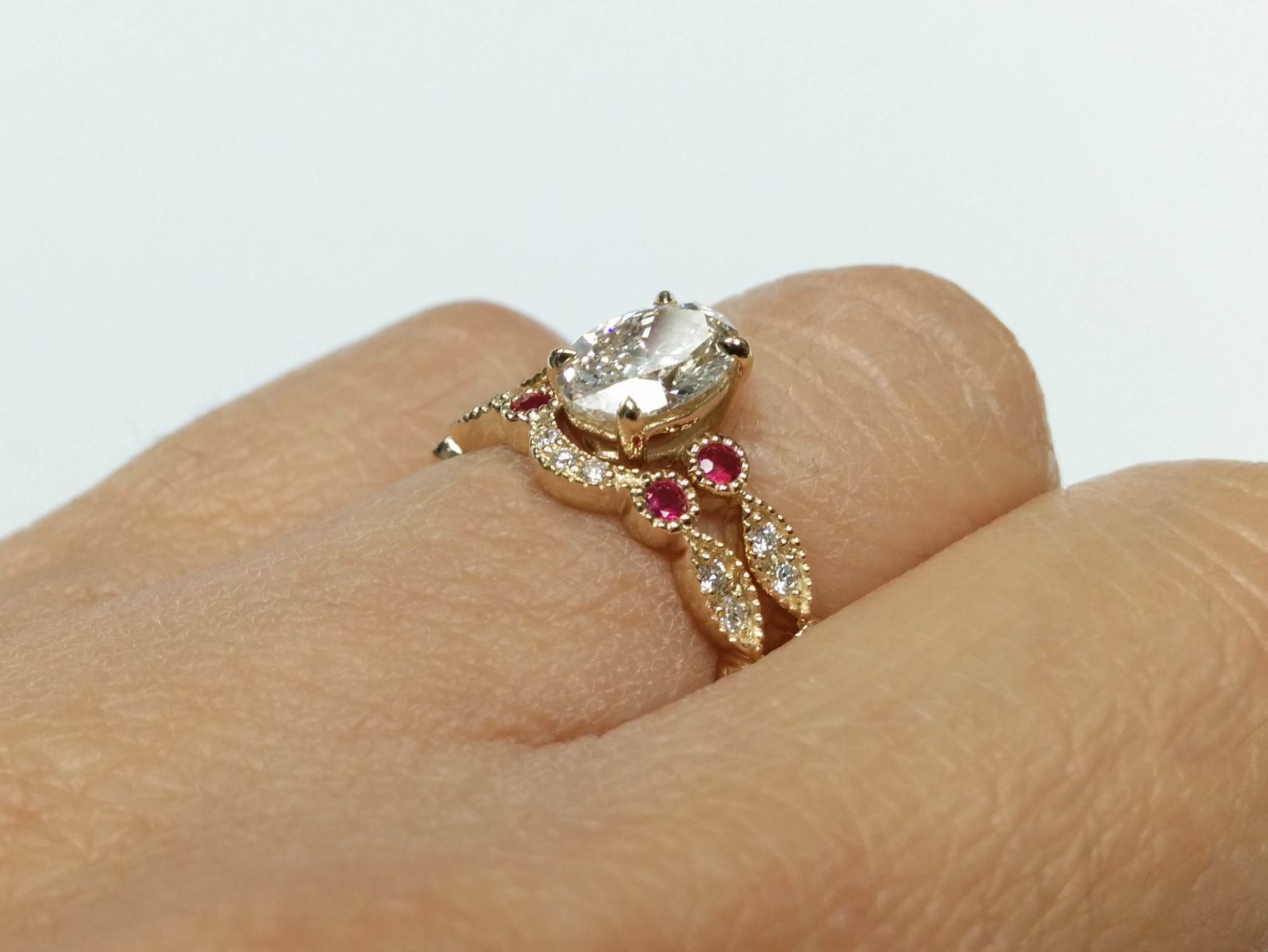 ring an with diamond pin a weighing shaped carats set oval