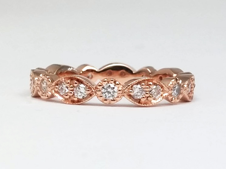 Round Diamond Swing Band in 14K Rose Gold